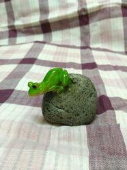 石の上の「かえる」